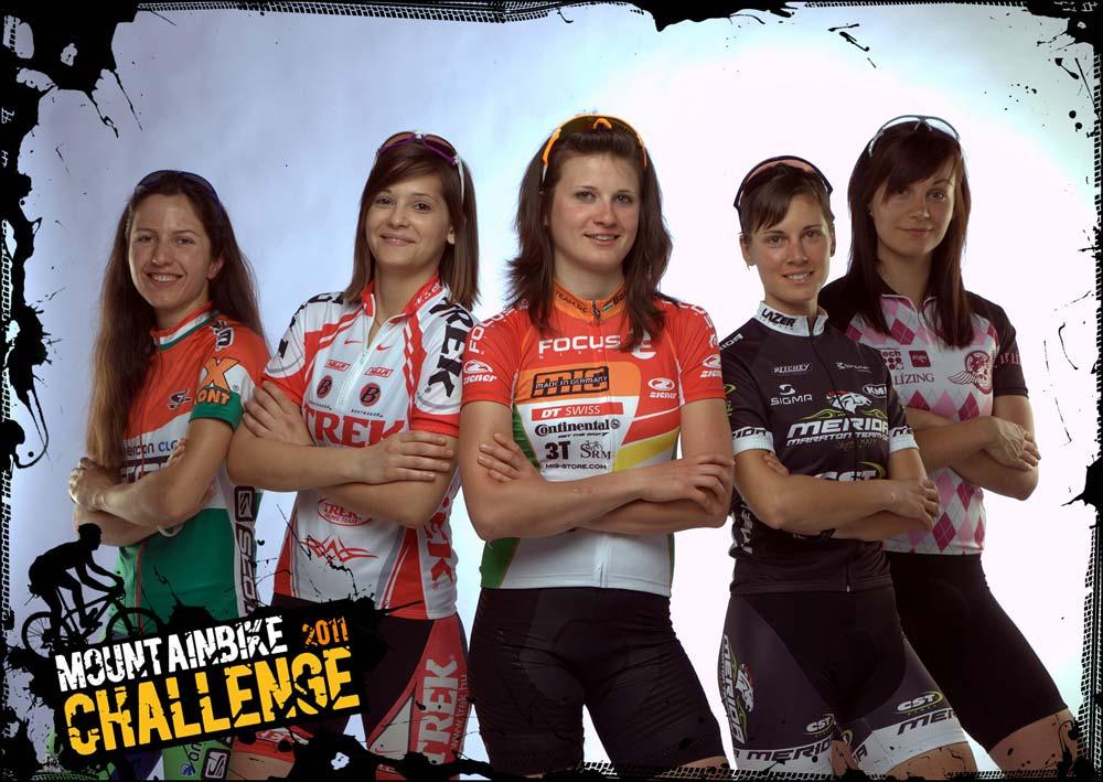 Mountainbike Challenge fotózás újratöltve: bringás lányok a kamera előtt