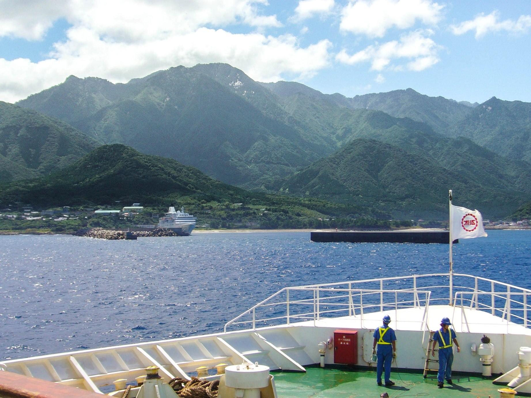 A szigetek között nagyon sokszor kell kompra szállni.