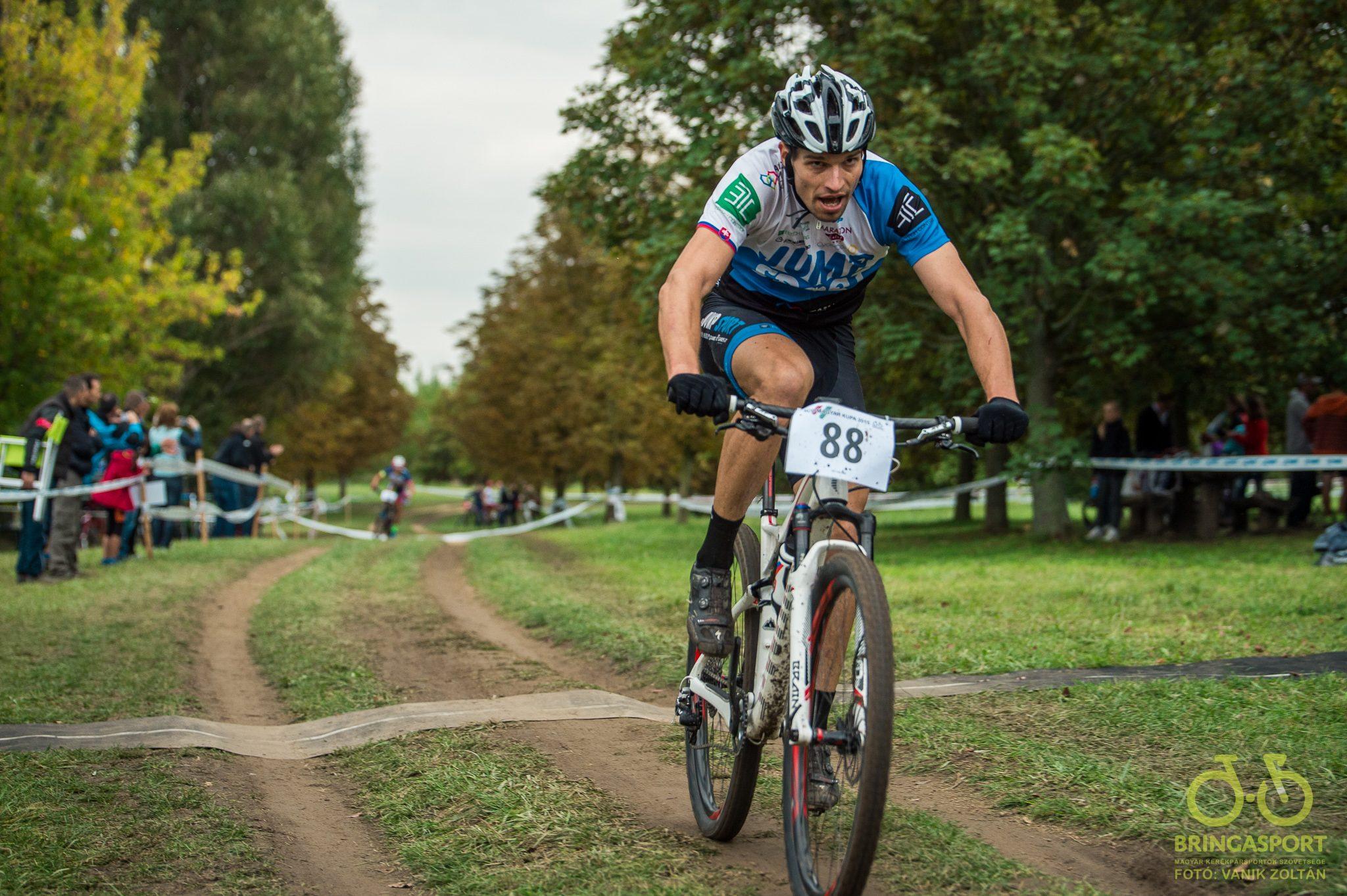 Michal Lami nyeri a férfi futamot