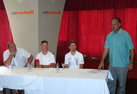 Harangvölgyi András ismerteti a versenyt a szeptember 10-én rendezett sajtótájékoztatón