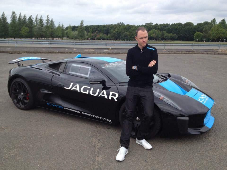 Froome mostanában inkább Jaguarok kormányát terelgeti a Tour után