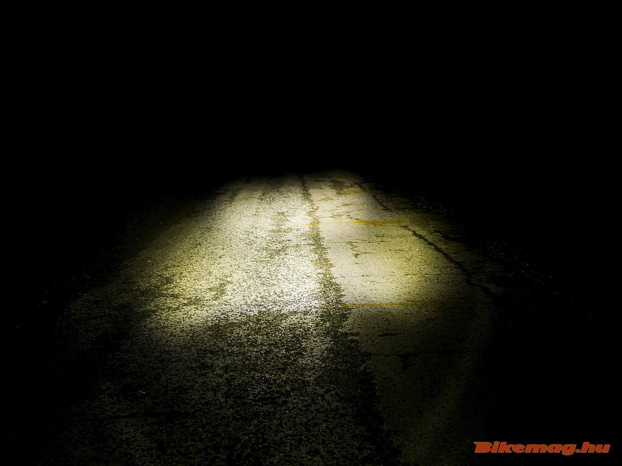 Az AXA Greenline Front 30 LUX első lámpa így teríti a fényt