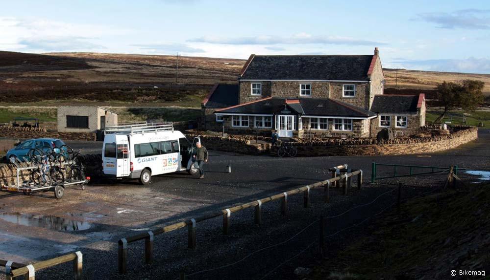 Parkhead Station és a kísérőbuszunk