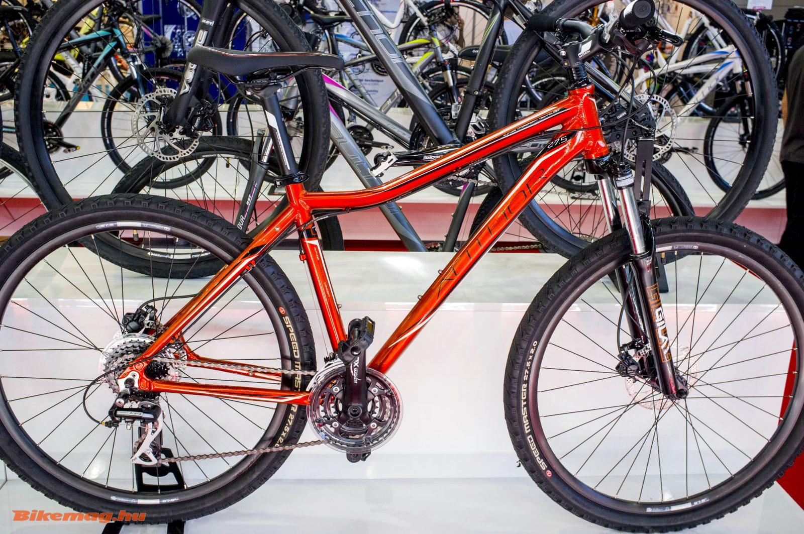 27,5-es mountain bike kifejezetten női geometriával