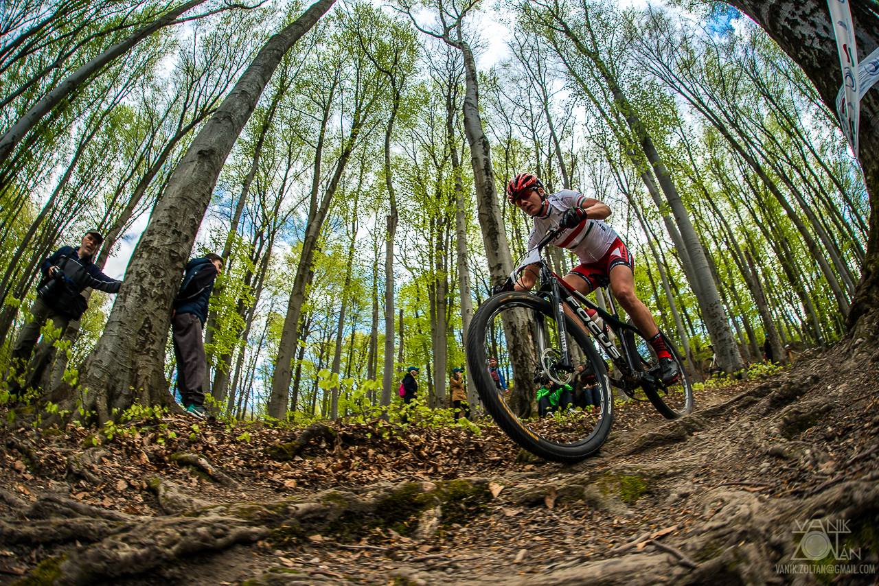 Barbi vasárnap Salgótarjánban sérülten is itthon tartotta az első helyért járó UCI-világranglista pontokat