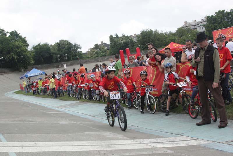 A legkisebbek egykörös verseny keretein belül próbálgathatták a pályát