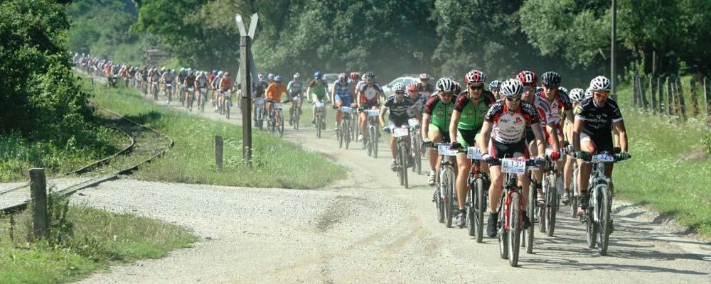 Bükk, Bükk Maraton, maraton, MTB, Nagy Ádám, Top Maraton, verseny, XCM: A felsőtárkányi Egeres-völgy Sportfesztivál záró rendezvénye lesz 2011. augusztus 7-én a XI. Bükk Maraton hegyikerékpár-verseny, melyre már mintegy 1200-an neveztek. A Top Maraton sorozat harmadik állomásán a magyarok mellett várhatóan szlovákok, románok és olaszok is rajthoz állnak.
