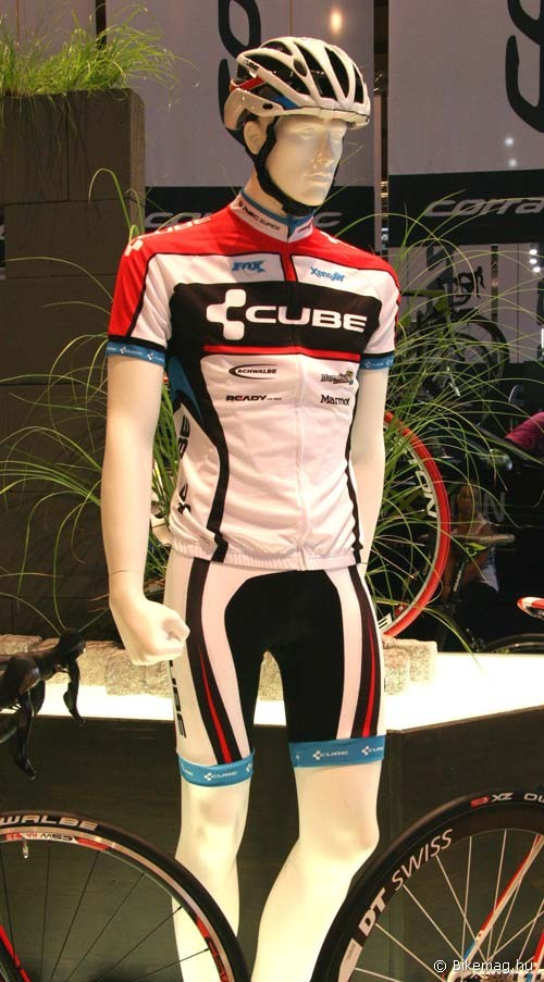 Eurobike 2011: Cube teamline ruházat