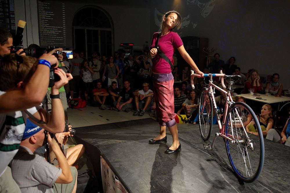 Biciklis divatbemutató és party a Cyclechic.hu és az MTV Switch szervezésében