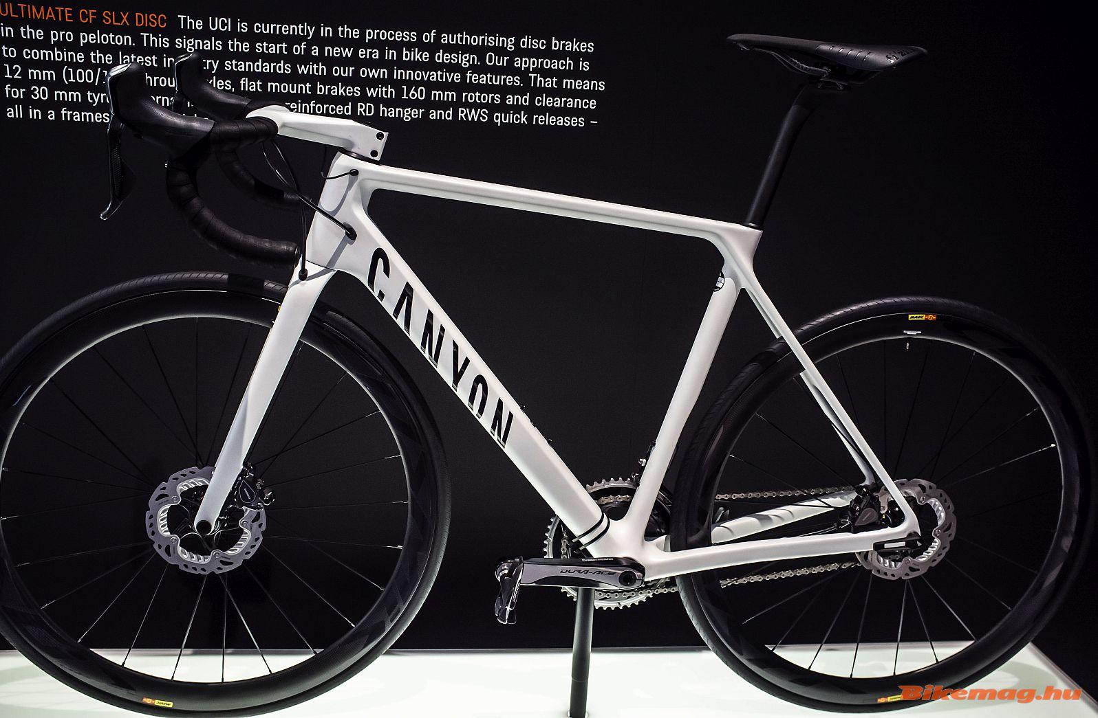A Canyon CF Ultimate SLX Disc jól példázza önmagában, merre halad a kerékpáripar