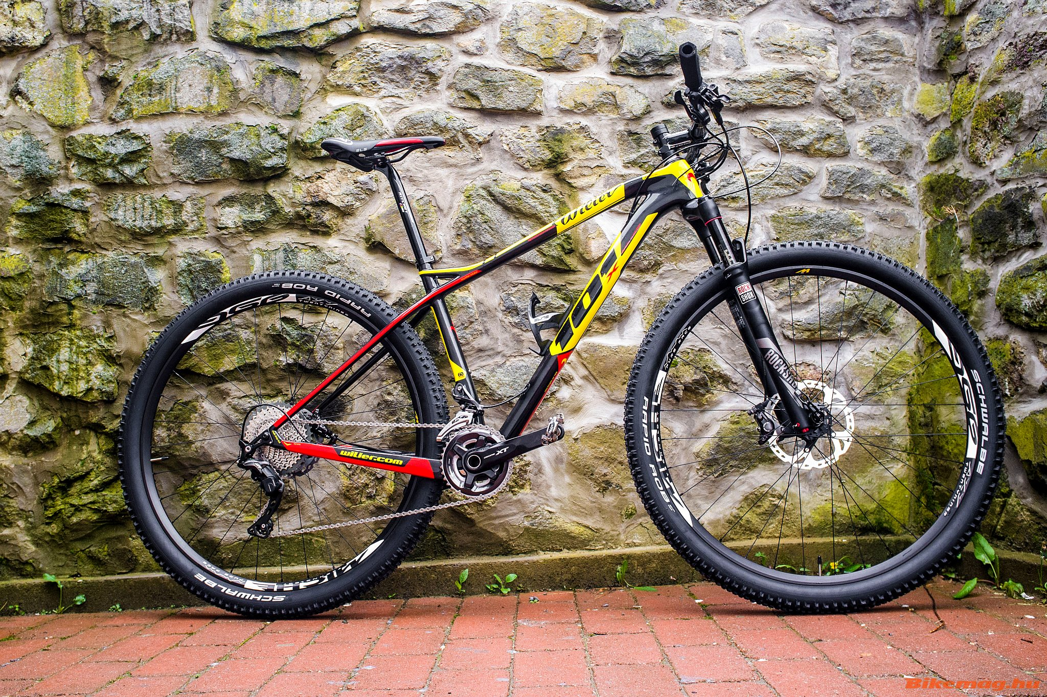 Wilier 101x: Stílusos, versenyzésre is bevethető mountain bike, sportos geometriával, jó menettulajdonságokat adó vázzal, ésszel válogatott alkatrészekkel, ezen a szinten jó ár/érték aránnyal. Ára: 1 159 900 Ft