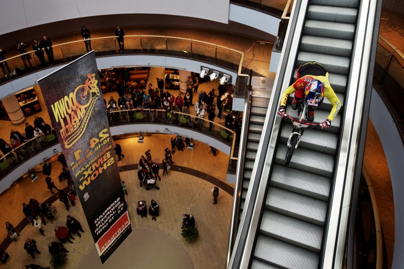 DownMall_2017_6