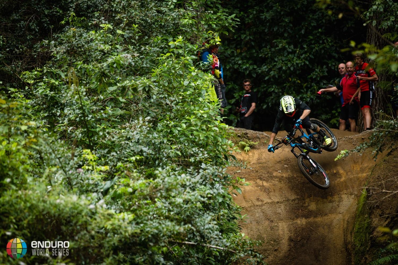 enduro, enduro world series, ews, fabien barel, jerome clementz, tracy moseley, anne caroline chausson, cube action team, canyon enduro team, enduro mountainbiking