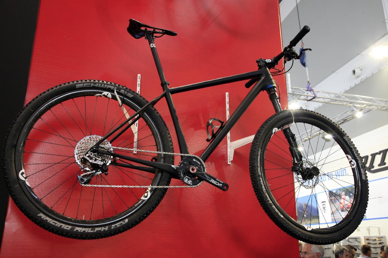 Az Unlimited AXX1 felszereltséggel a 7kg-t közelíti a bringa