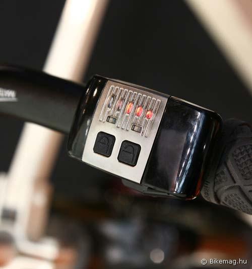 Eurobike 2011: A F1RST Wireless teló irányítója. Nyit, zár – tök jó