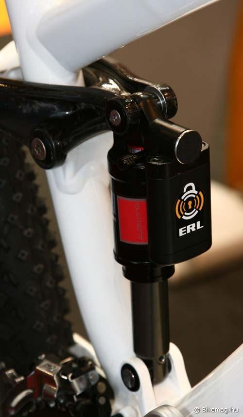 Eurobike 2011: A vezeték nélküli lockoló rendszer alapjain működő ERL rugóstag látható a képen. Szintén a kormányról kapcsolható