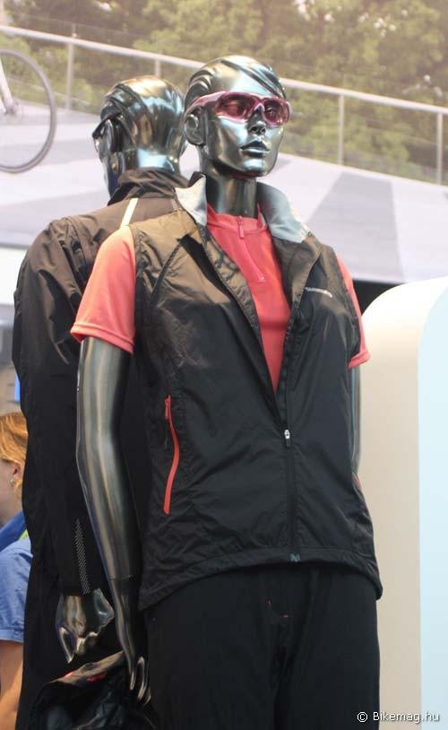 Eurobike 2011: Shimano ruházat: szélmellény hűvösebb napokra