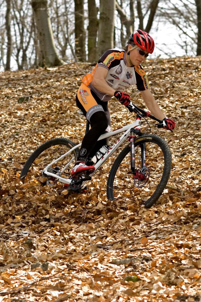 FRM 8HP Team 29er XCR2 kerékpárteszt