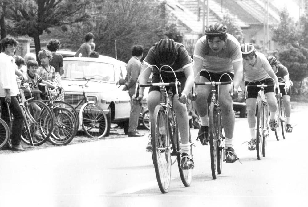 Utánpótlás verseny valahol Magyarországon a hetvenes évek végén