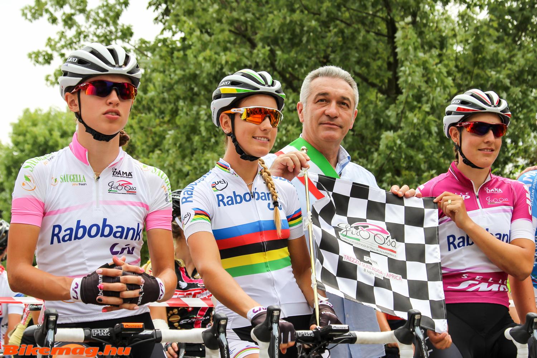 Katarzyna Niewiadoma, Ferrand-Prevot és Lucinda Brand az ötödik szakasz rajtja előtt