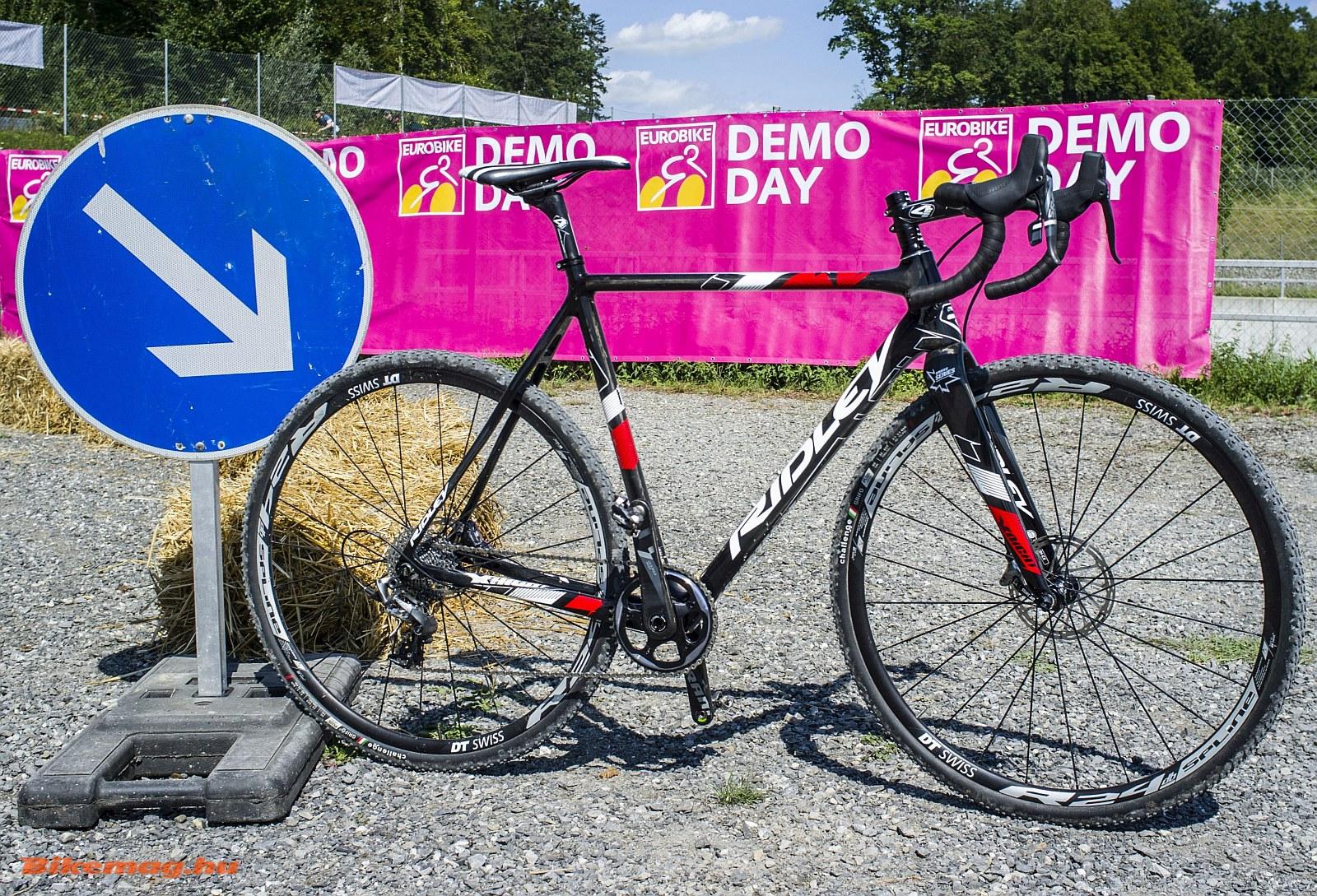 A Ridley a klasszikus belga iskolát követi, jól látható a cyclocross versenygeometria