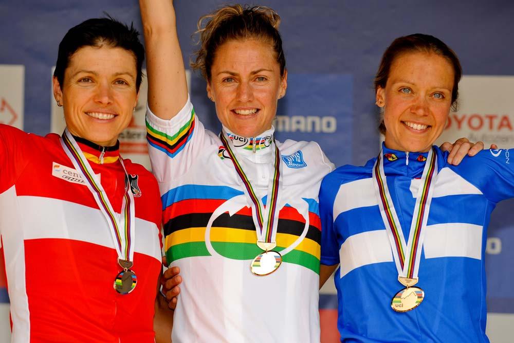 A 2008-as év maraton világbajnokaként Sabine Spitz és Pia Sundstedt előtt