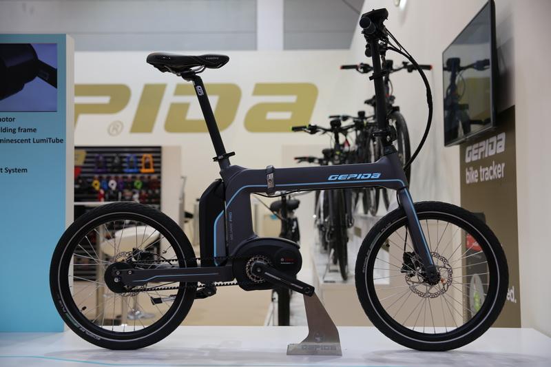 Összehajtható városi E-bike Gates szíjhajtással - mi ez, ha nem világszínvonalú innováció!