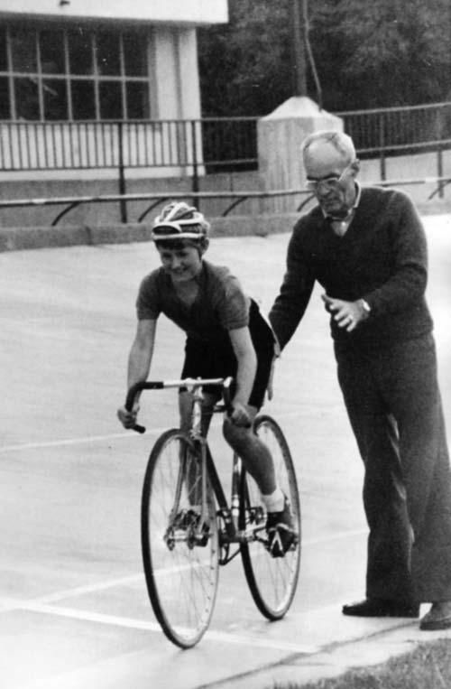 Izsák Éva, az első magyar női kerékpáros olimpikon