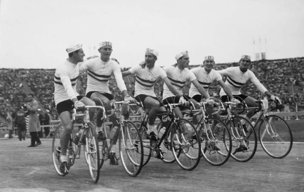 A Békeverseny magyar csapata 1961-ben: (balról) Megyerdi Antal, Juszkó János, Aranyi Lajos, Mezei József, Horváth Ferenc és Török Győző