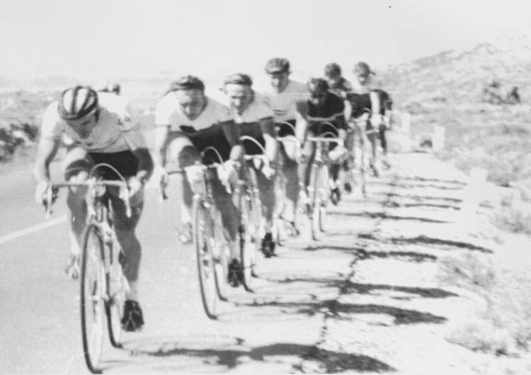 A magyar válogatott az 1966-os Mexikói Körversenyen – elöl Juhász Béla, a sorban negyedik Juszkó János