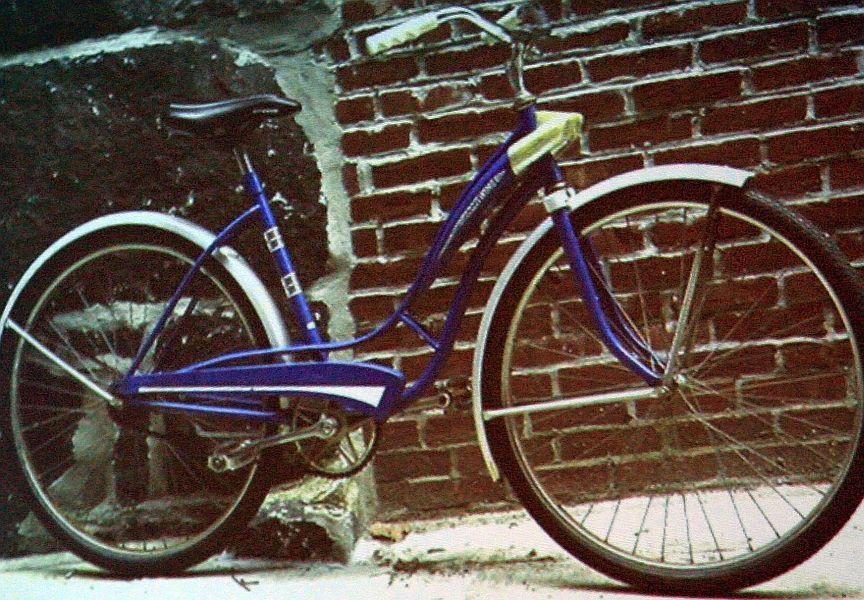 A prezentáción  az 50 éves jubileumról is esett szó, az elhasználódott fotón látható Fleetwinggel kezdődött a sikertörténet 1964-ben, amit az amerikai piacra gyártottak. Mára 150 különböző bringa szerepel a palettán.