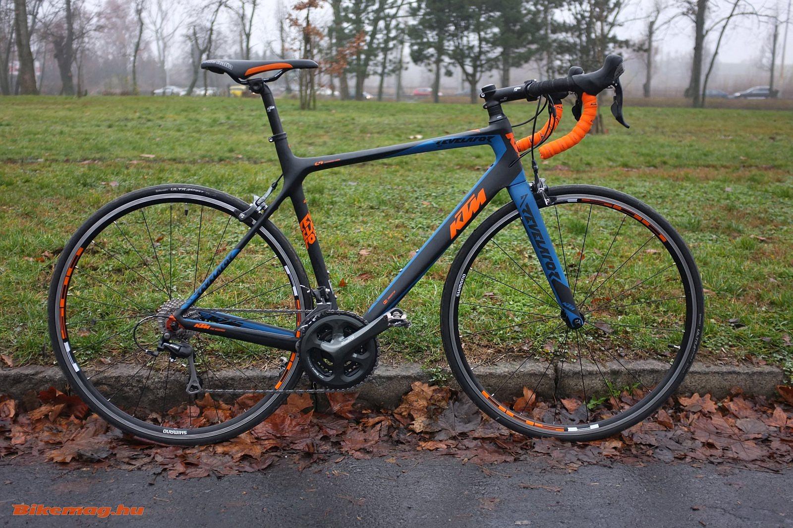 KTM Revelator 3300 kerékpárteszt