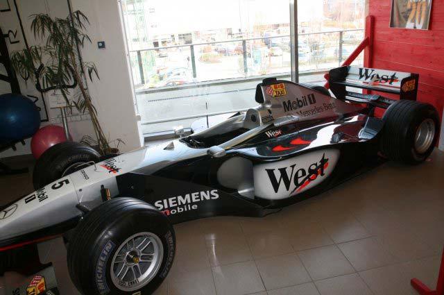 Egy igazi F1-es gép a Mali üzletében