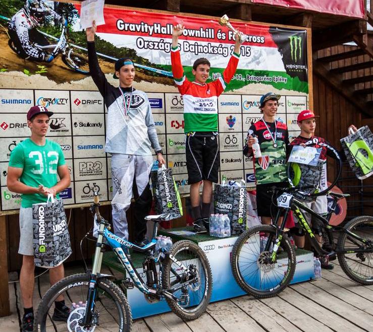 A 2015-ös GravityHall Downhill Országos Bajnokság Junior dobogója