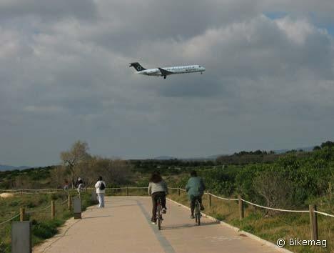 Ki gépen száll fölébe… – bringaút Palma határában