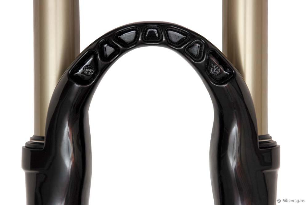 """A """"Reverse Arch"""" elnevezésű fékhíd elengedhetetlen Manitou stílusjegy"""