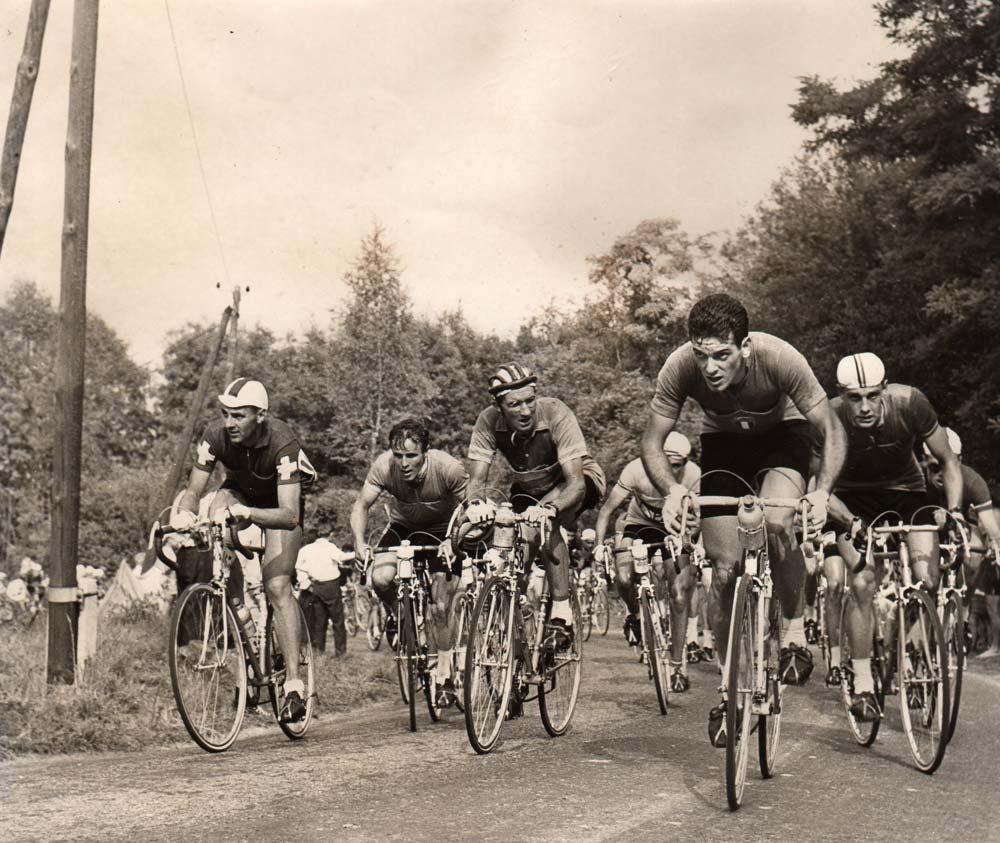 Tété de la corse - Reims, 1958 világbajnokság -,  Bampi támad az emelkedőn. A versenyt végül az NDK színeiben versenyző Gustav Adolf Schur nyeri, ahogy majd a következő évben is