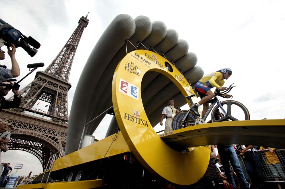 Armstrong, Tour de France 2003: CANON-EOS 1DS, 17 mm, ISO 400, f/6.3, 1/500s