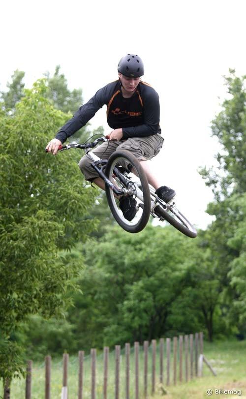 Marzocchi Dirt Jumper 3 T100 2010