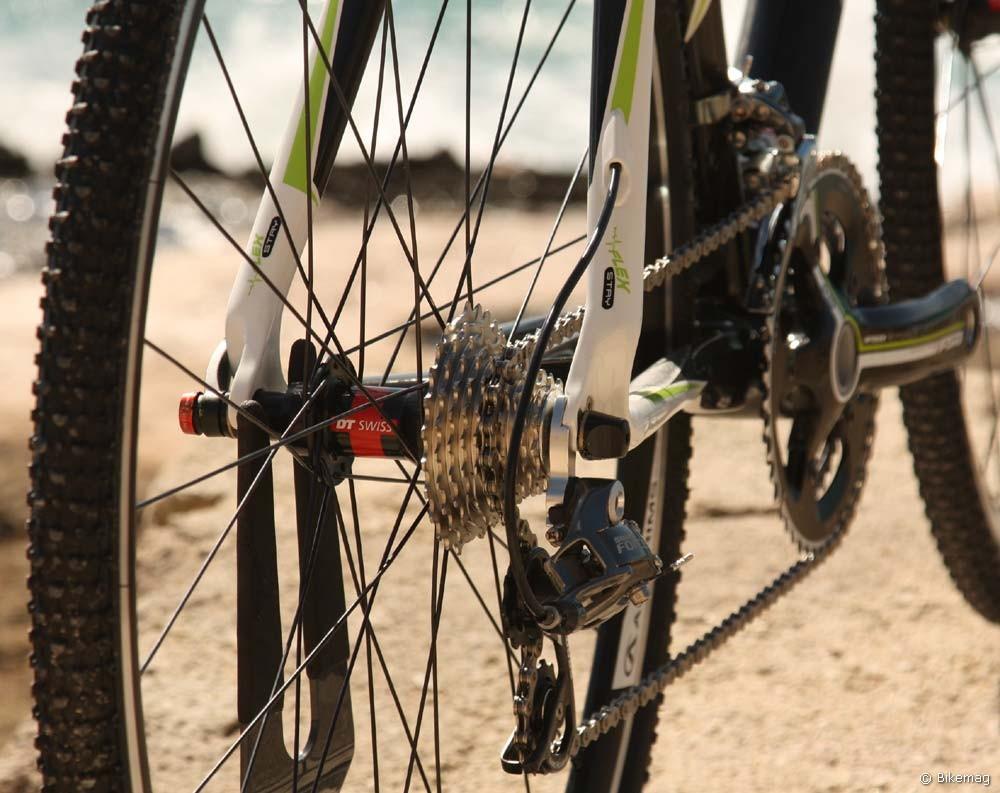 Cyclo Cross Carbon Team 2011 – rejtett bowdenvezetés mindenhol