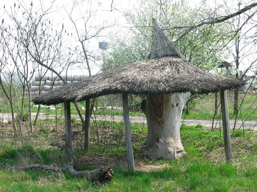 A spontán építészet egyik gyöngyszeme Poroszló határában