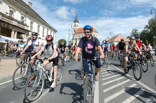Móri Karika jótékonysági kerékpáros túra 2011