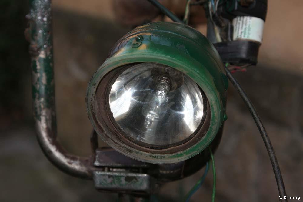 Bosch lámpa állítható fókusszal