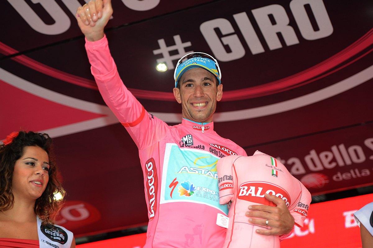 Nibali rózsaszínben (Fotó: Stefano Sirotti)