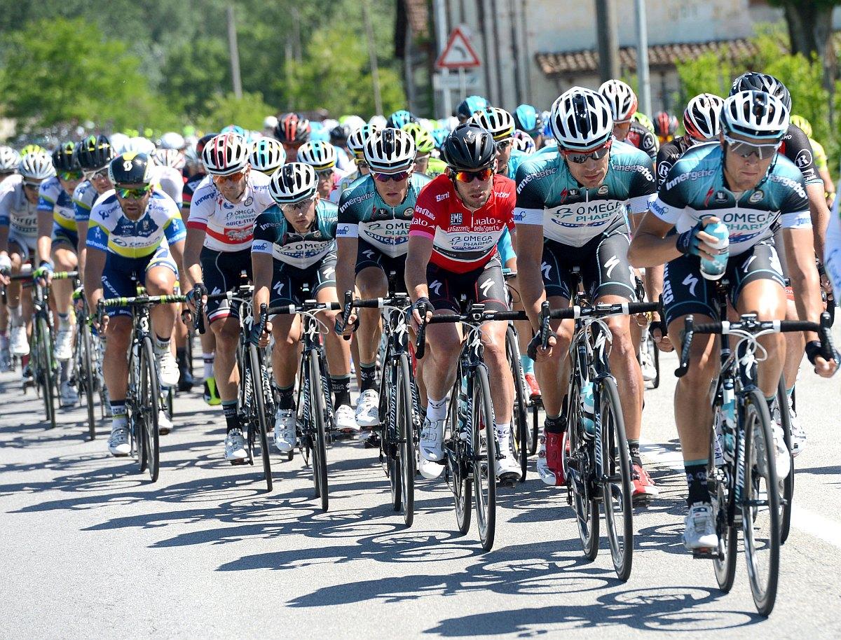 Jellemző kép: Cavendishék vezetik az üldözést (Fotó: Stefano Sirotti - sirotti.it)