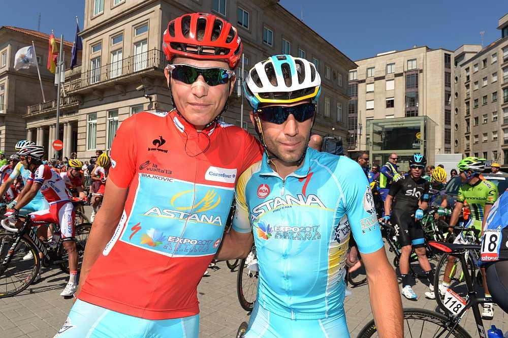 Brajkovic és Nibali a rajt előtt; a befutó után trikót cseréltek... (Fotó: Stefano Sirotti)