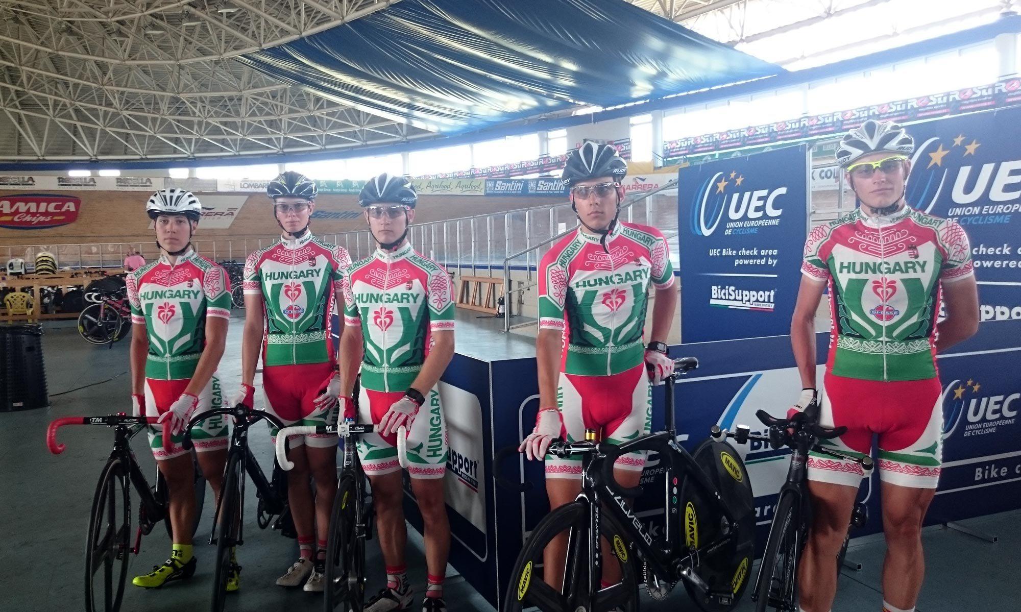 A 2016-os Ifjúsági és U23-as Pályakerékpáros Európa-bajnokságon részt vevő válogatott versenyzők, balról: Orosz Gergő (FSZSE-FTC), Borissza Johanna Kitti (BVSC-Zugló), Hajdú Máté Olivér (BVSC-Zugló), Molnár Gábor (BVSC-Zugló) és Filutás Viktor (Szuper Beton)