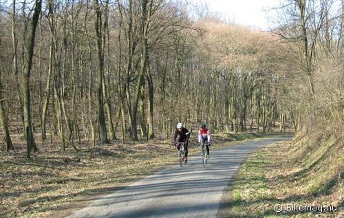 Kerékpárosok és kirándulók figyelmébe!