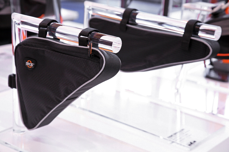 2014-es újdonság a Triangle Bag, illetve a Front Triangle Bag...