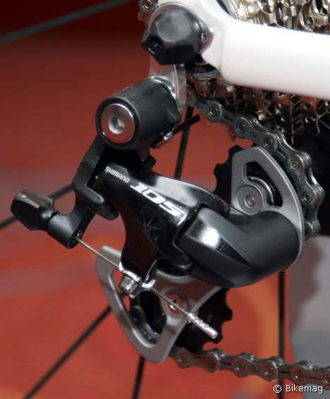 RD-5700 sarkcsillag-feketében…